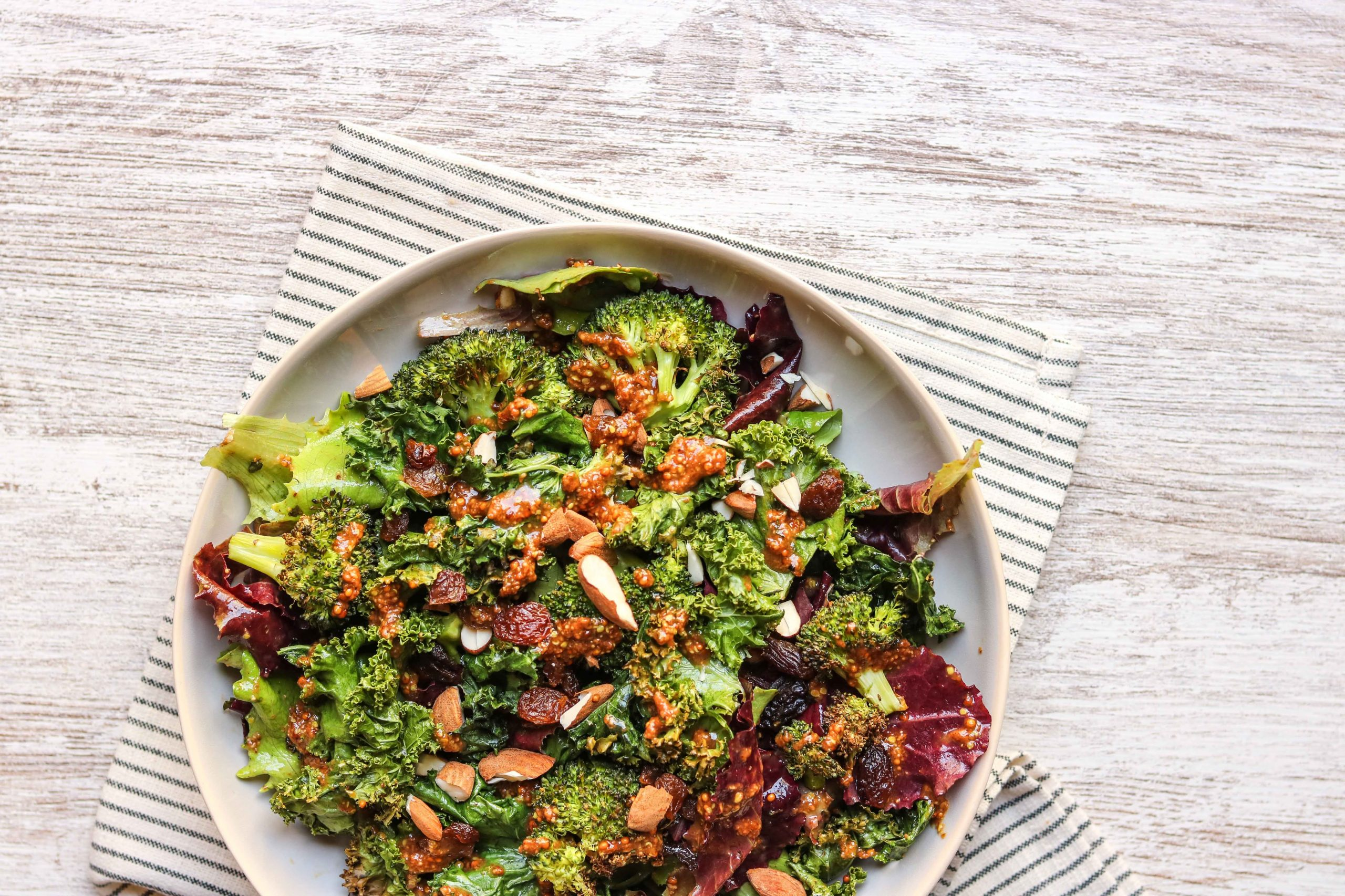 #11 Stress-busting food: Kale & Spinach. Photo byLisa FotiosfromPexels