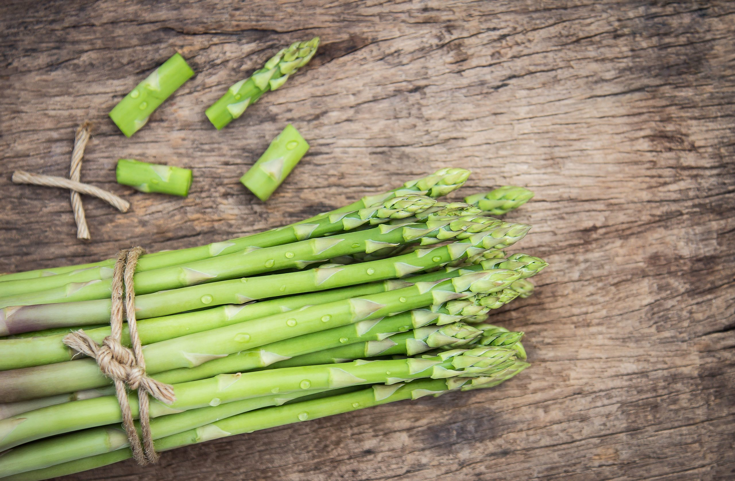 #8 Stress-busting food: Asparagus. Photo byAphiwat chuangchoemfromPexels